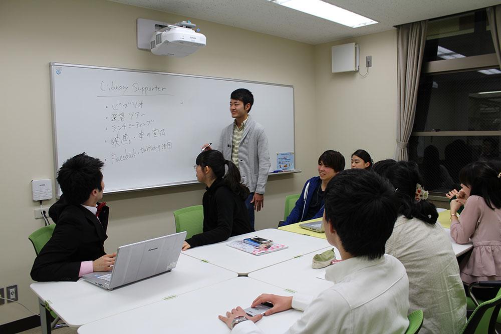 プレゼンテーションルーム(2F・3F)